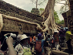angkor wat with crowds