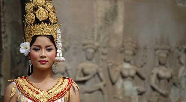 Angkor apsara dancer