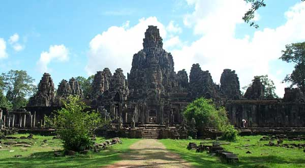 Bayon Temple from south gate