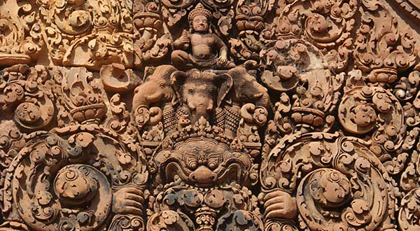 carving Banteay Srei