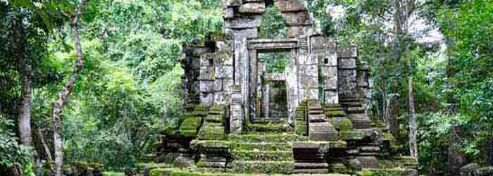 East Prasat Top, a small temple in Siem Reap, Cambodia