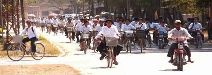 Traffic on Cambodian roads