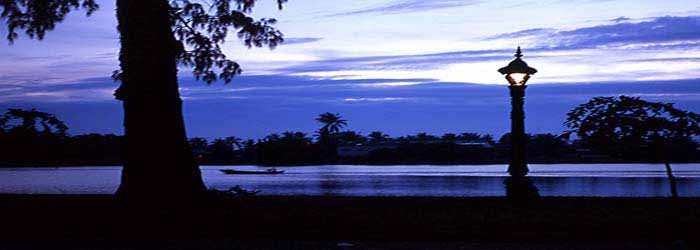 Kampot riverside at dusk