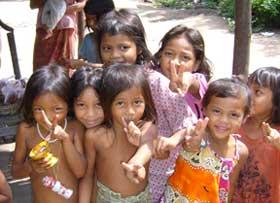 ABOUTAsia Scuole - Di volontariato con i bambini cambogiani