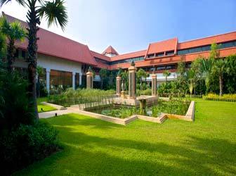 Le Meridien Angkor luxury hotel in Siem Reap