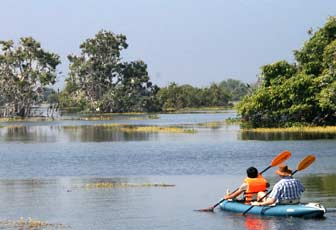 kayaking on the tonle sap lake