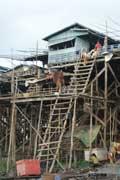 voyage angkor - kompong khleang, maison flottante