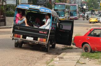 songthaew in laos