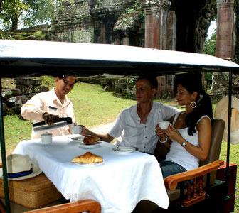 VIP Special Tour of Angkor Wat - coffee stop