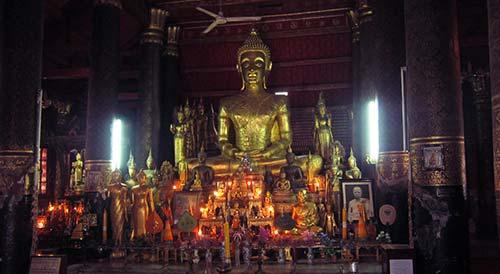 Buddha statues at Wat Mai Suwannaphumaham